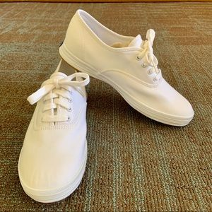 Keds Champion Canvas Original Sneakers WIDE?